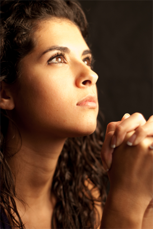 young-woman-praying